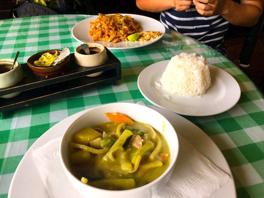 タイと中華を合わせたレストラン