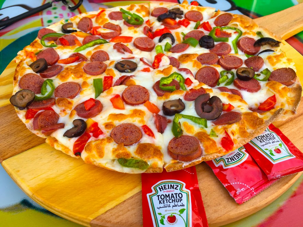 ソーセージピザ