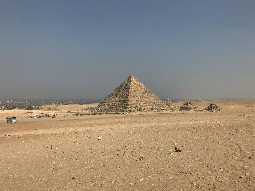 ギザのメンカウラー王のピラミッド