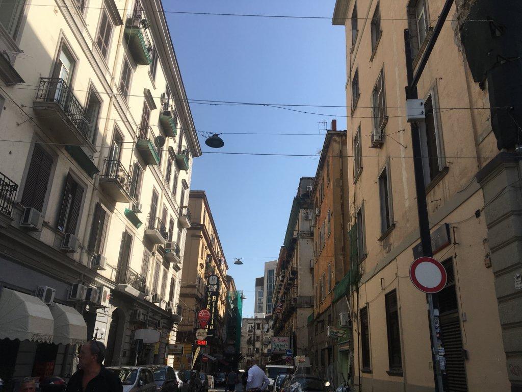 ナポリの街