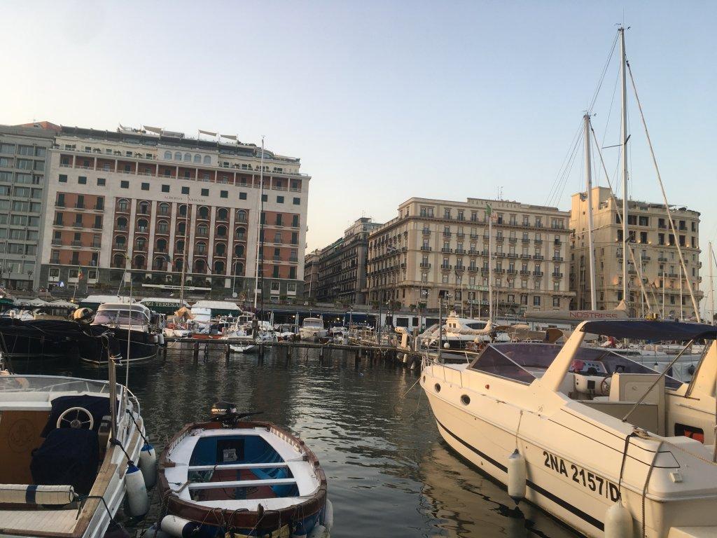サンタルチア港