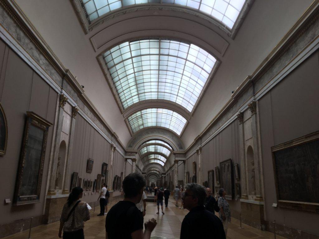 広い美術館