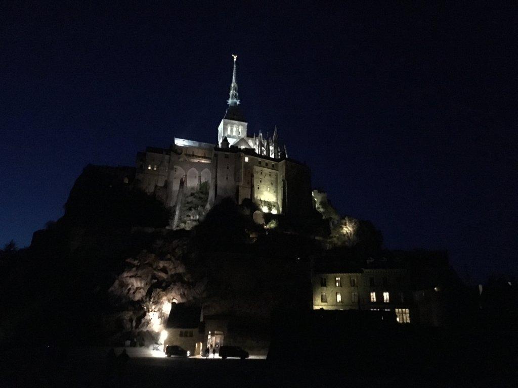ルモンサンミシェルの夜景