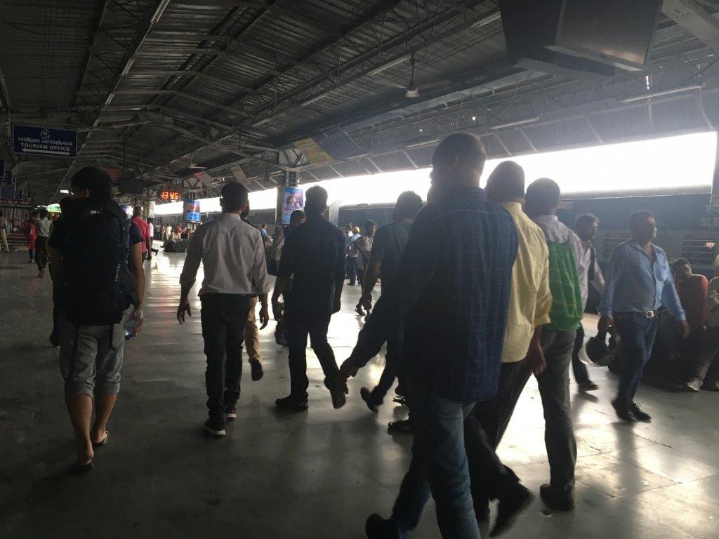 アーグラ駅