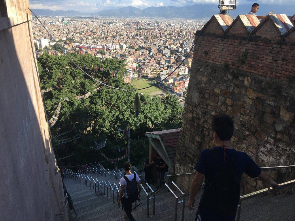 スリャビナヤック寺院の階段