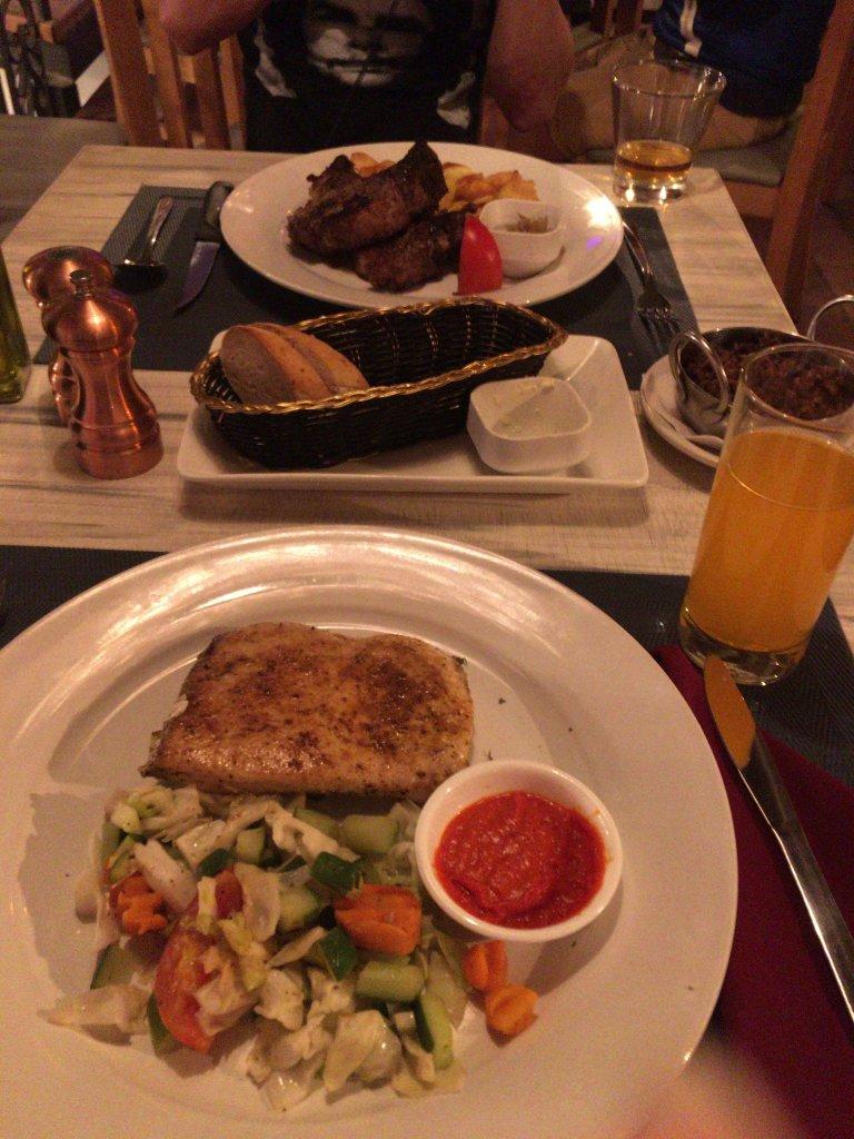 肉料理と白身魚料理